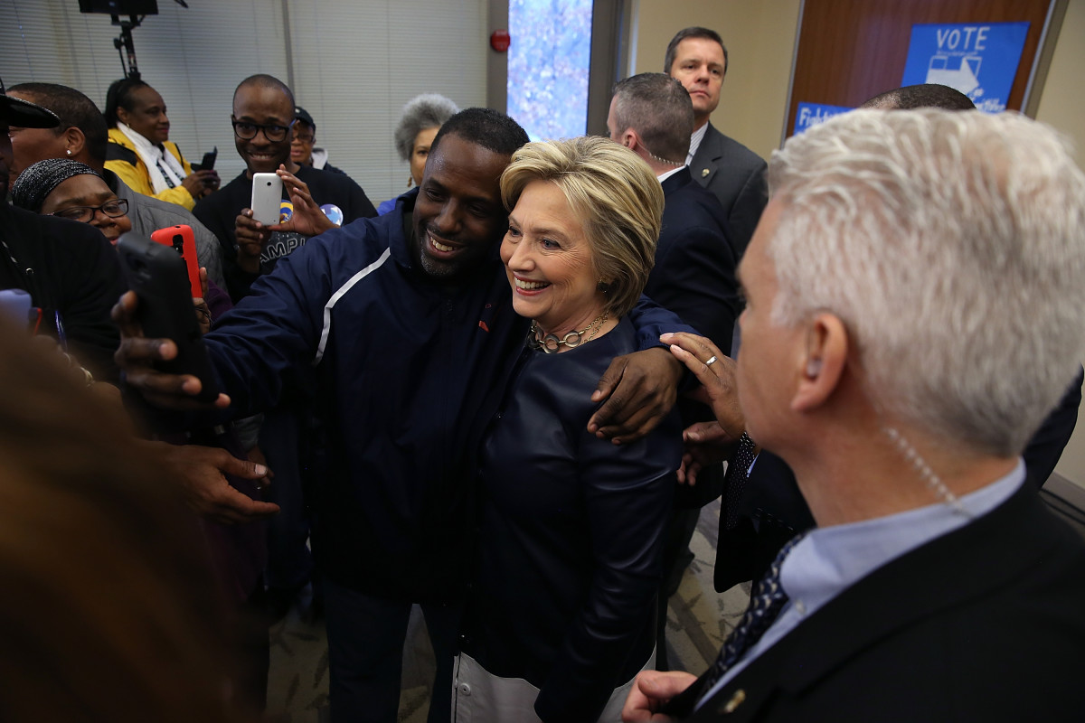 Hillary Clinton takes a selfie with supporters during an event in St Louis, Missouri. (Photo: Justin Sullivan/Getty Images)