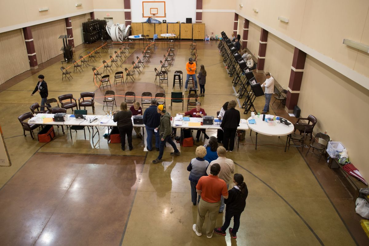 Voters arrive to cast their ballots in the Super Tuesday primary at the Grace United Methodist Church on March 1, 2016, in Conway, Arkansas. (Photo: Michael B. Thomas/AFP/Getty Images)