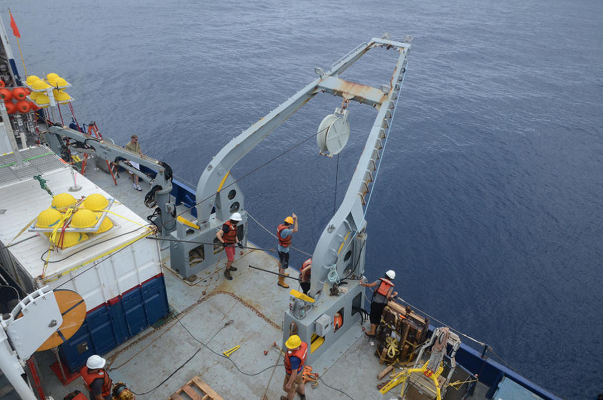Researchers for the Abyssline Project send equipment to the Pacific seafloor. (Photo: Eric Vetter/Abyssline Project)
