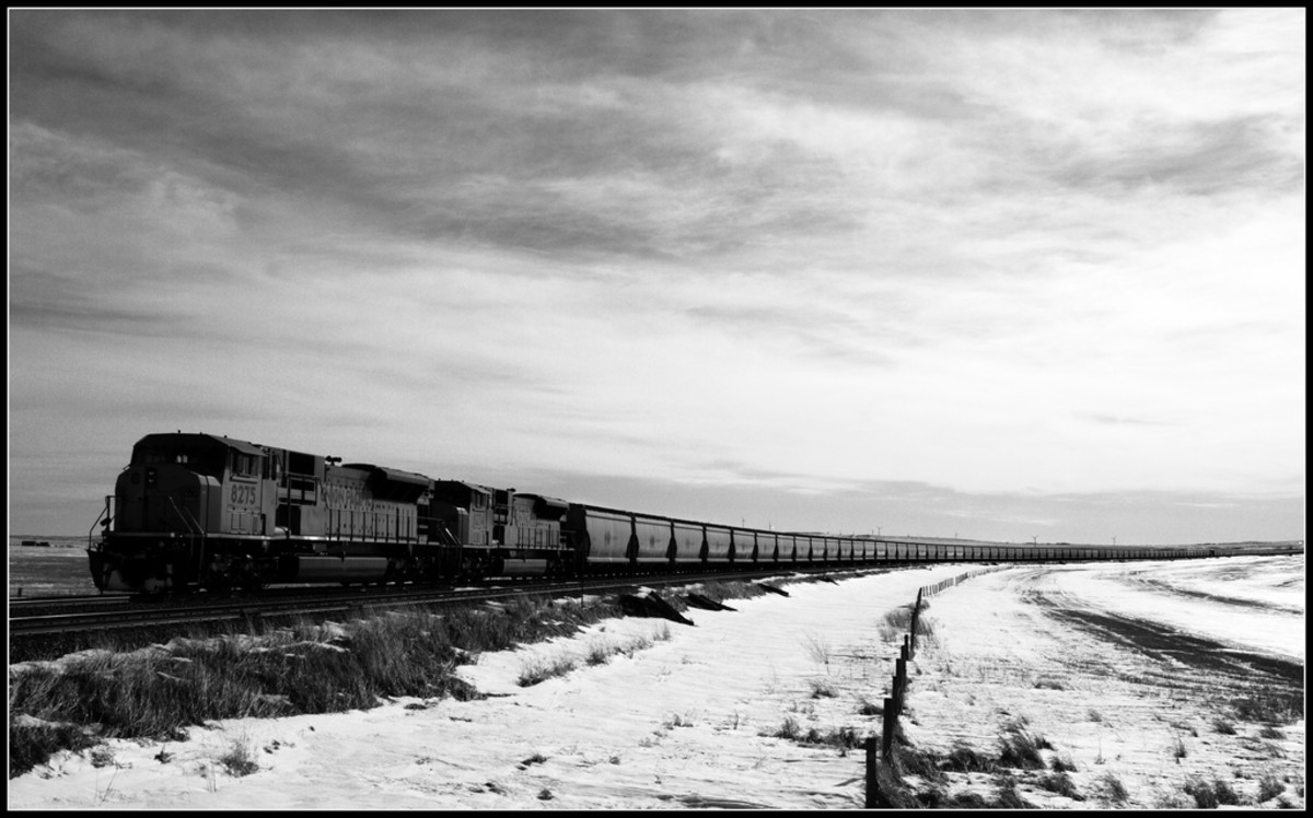 Coal train. (Photo: urbanworkbench/Flickr)