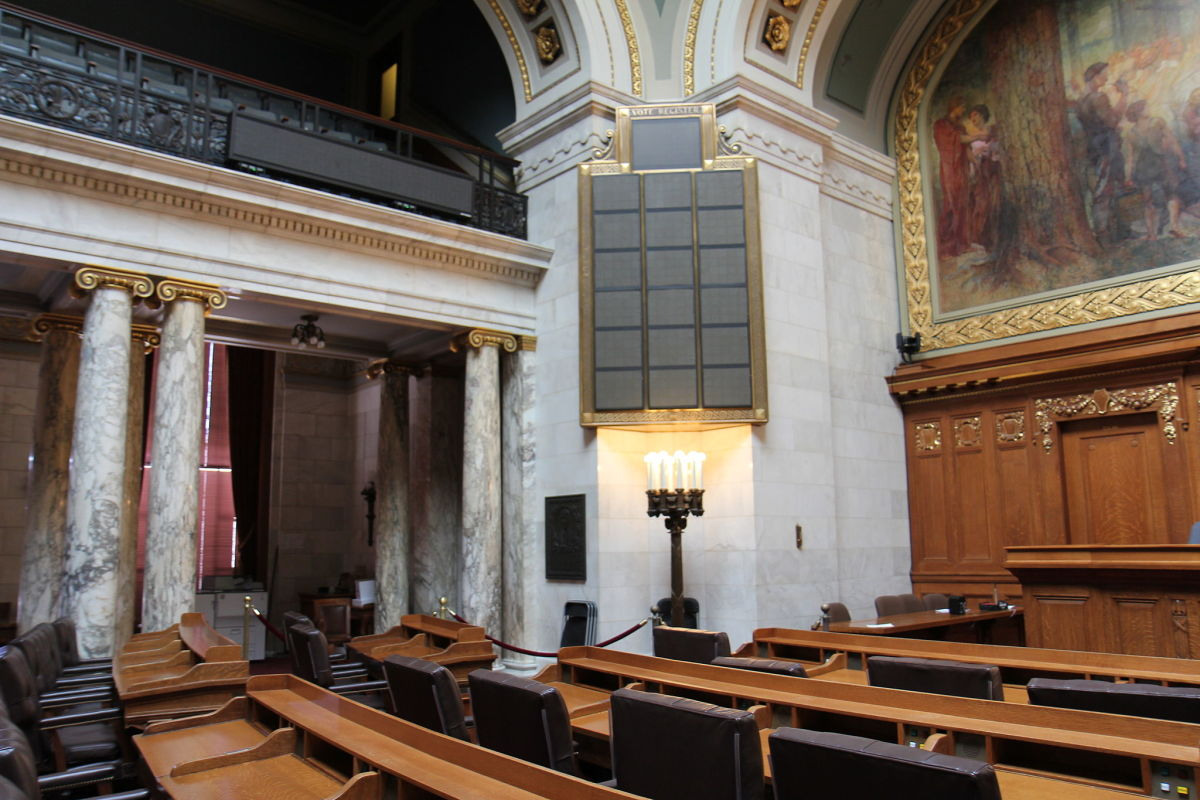 The Wisconsin State Assembly room. (Photo: Royalbroil/Wikimedia Commons)