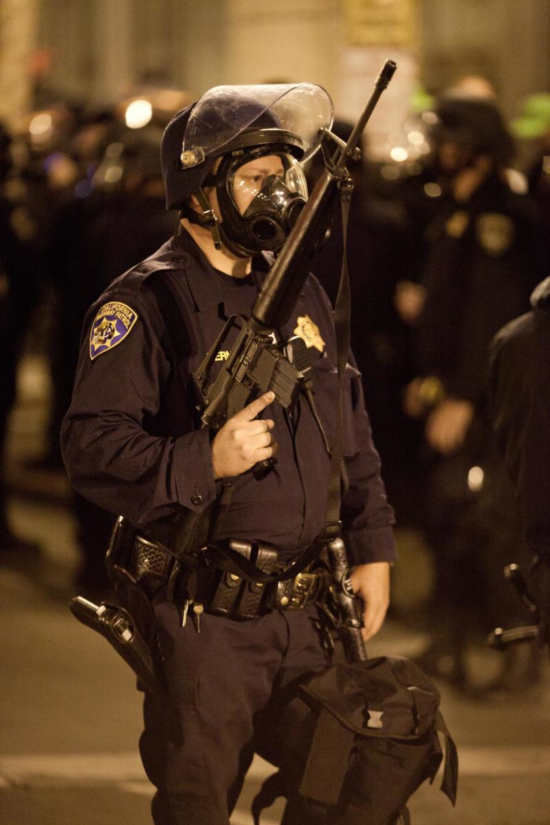 An officer during the 2010 riots in Oakland, California, following the police shooting of Oscar Grant. (Photo: Thomas Hawk/Flickr)