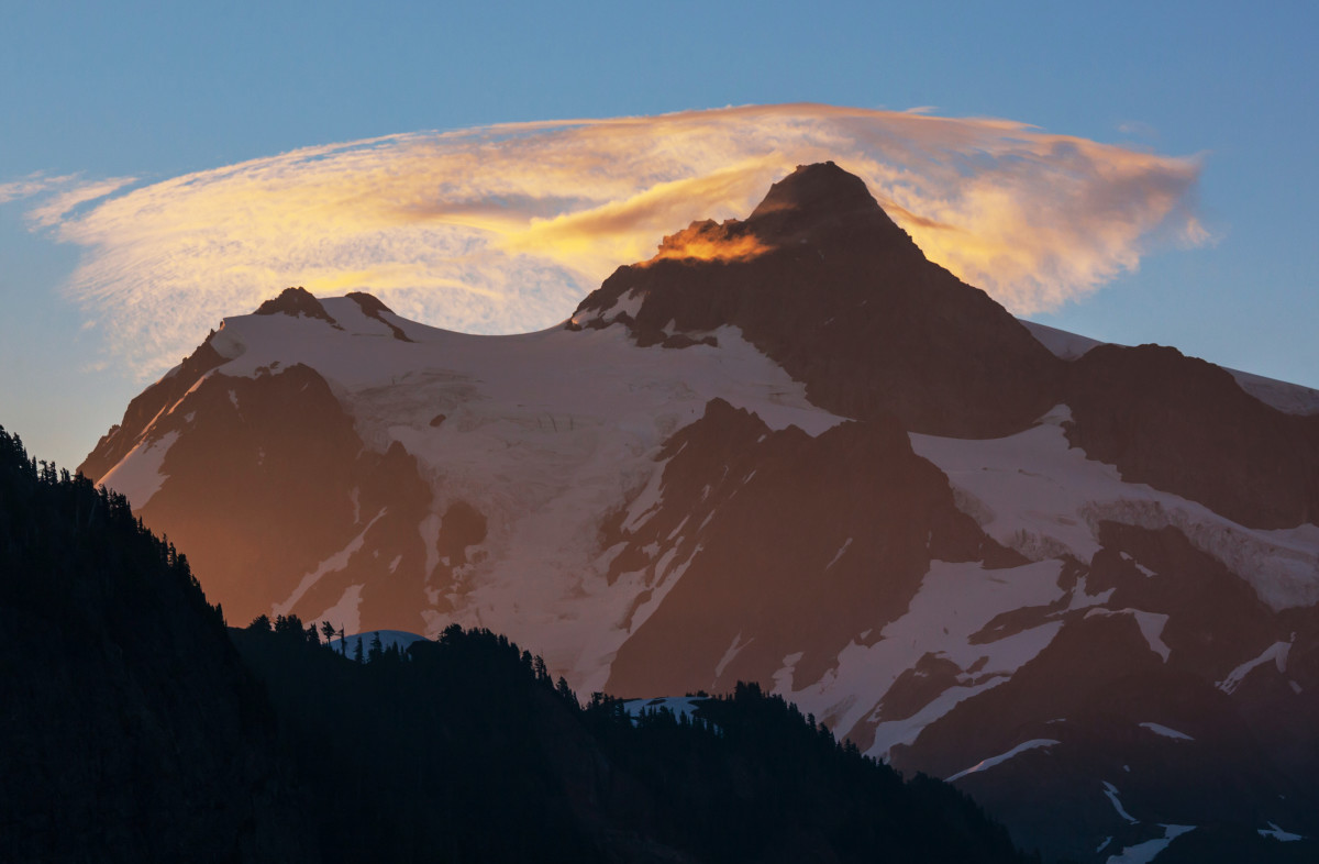 Mount Shuksan, in Washington. (Photo: Galyna Andrushko/Shutterstock)