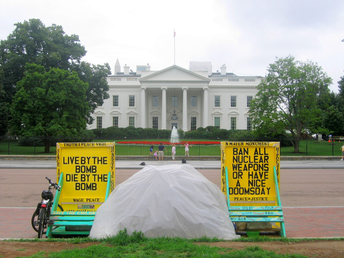 White House Peace Vigil, Lafayette Square, Washington, D.C. (Photo: moi 84/Wikimedia Commons)