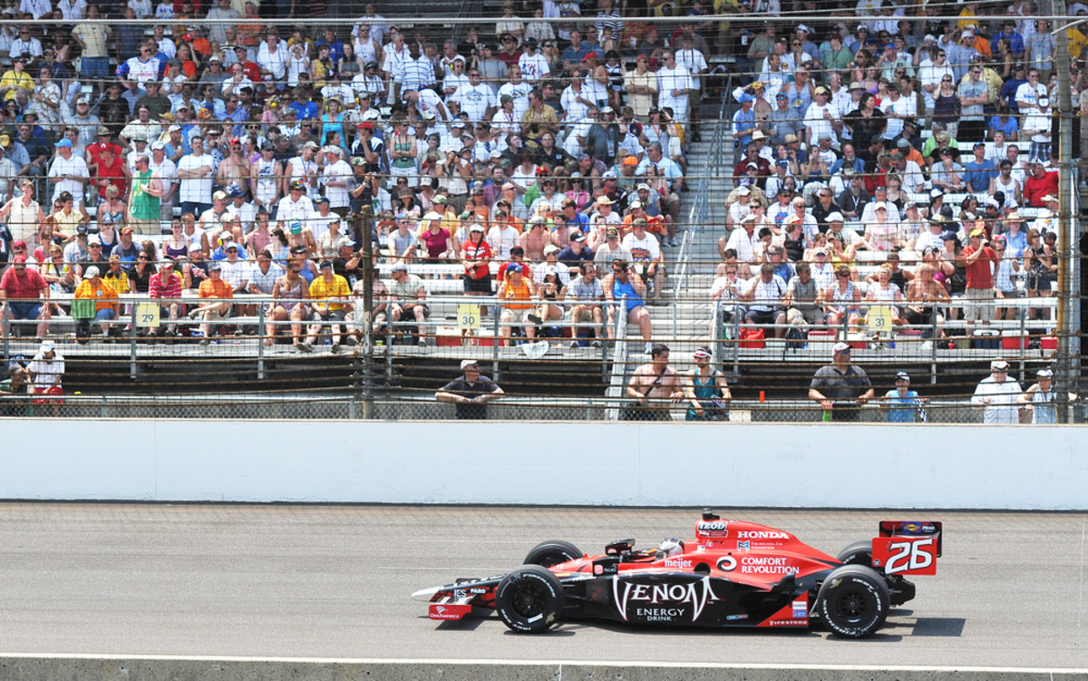 Driver Marco Andretti racing in the 2010 Indy 500 race. (Photo: carroteater/Shutterstock)