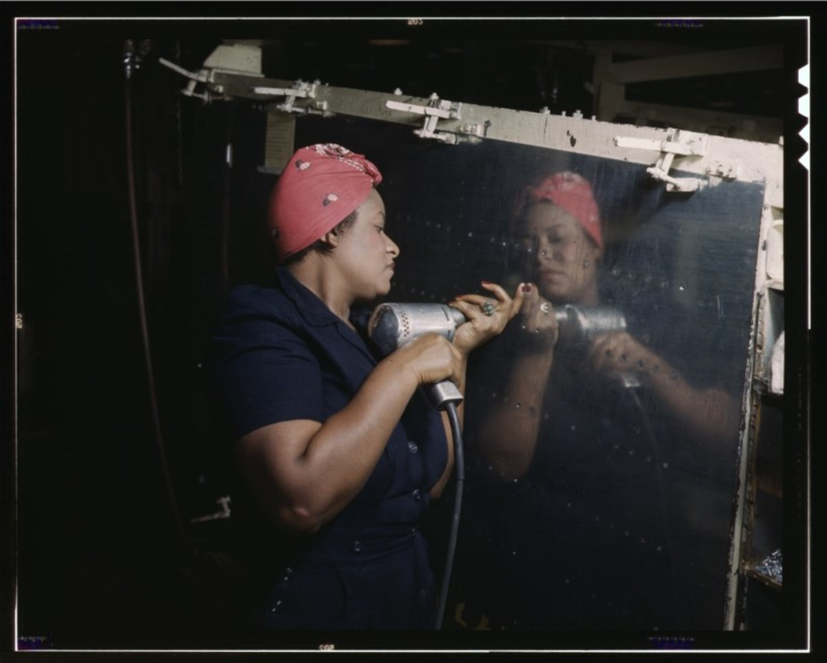 A World War II Rosie the Riveter. (Photo: Alfred Palmer/Library of Congress)
