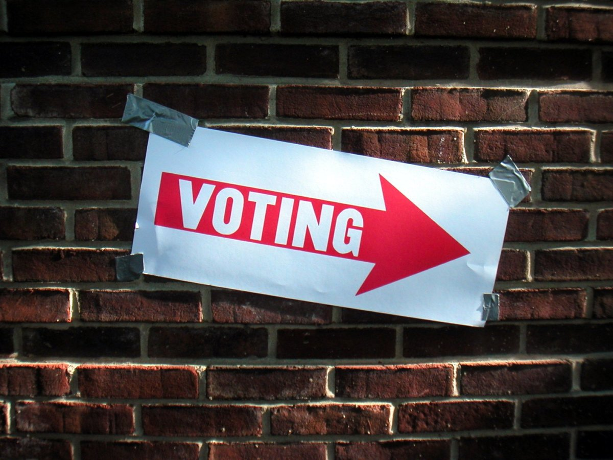 Voting sign at Edmund Burke  School in Washington, D.C., for a special election on May 1, 2007. (Photo: Keith Ivey/Flickr)