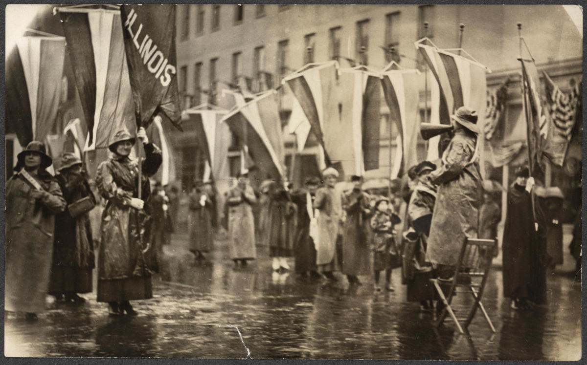 Grand Picket at the White House, on the eve of President Woodrow Wilson's second inauguration. (Photo: Library of Congress)