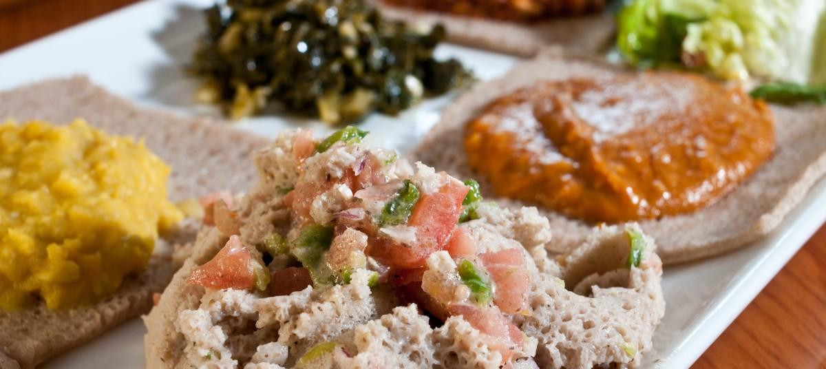 Ethiopian vegetarian sampler plate. (Otokimus/Shutterstock)
