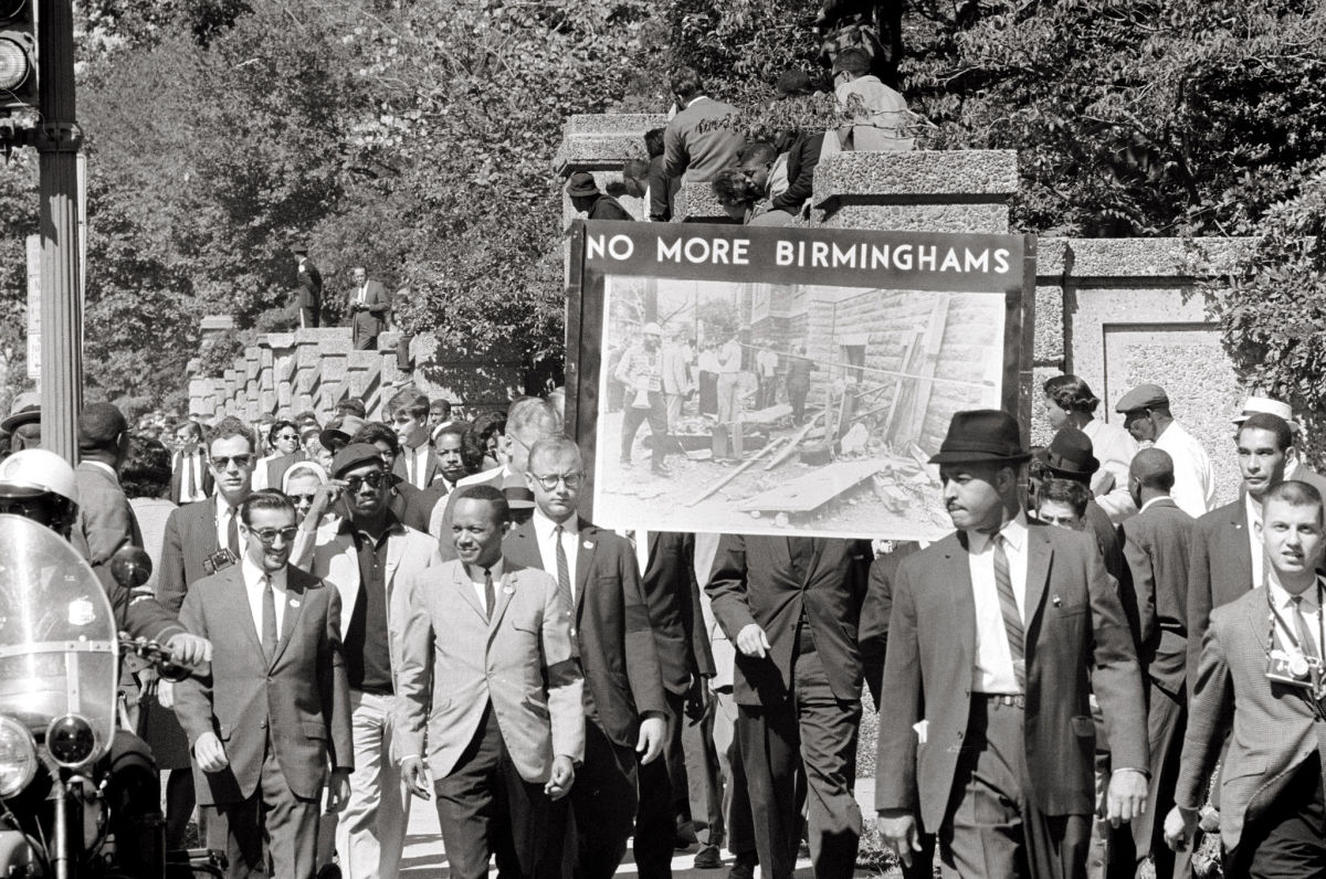 Congress of Racial Equality and members of All Souls Church Unitarian march in memory of the 16th Street Baptist Church bombing victims in 1963. (Photo: Thomas J. O'Halloran/Wikimedia Commons)