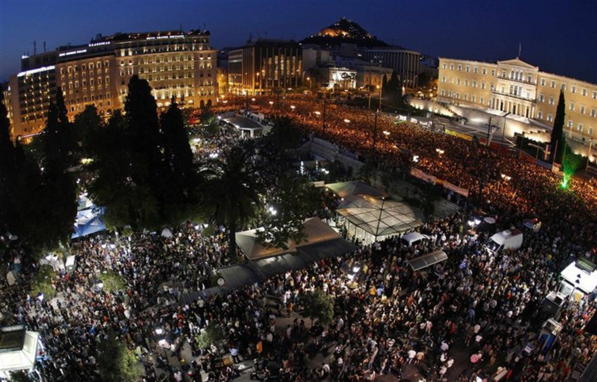 One hundred thousand people protest against the austerity measures in Athens, Greece, in 2011. (Photo: Eka k/Wikimedia Commons)
