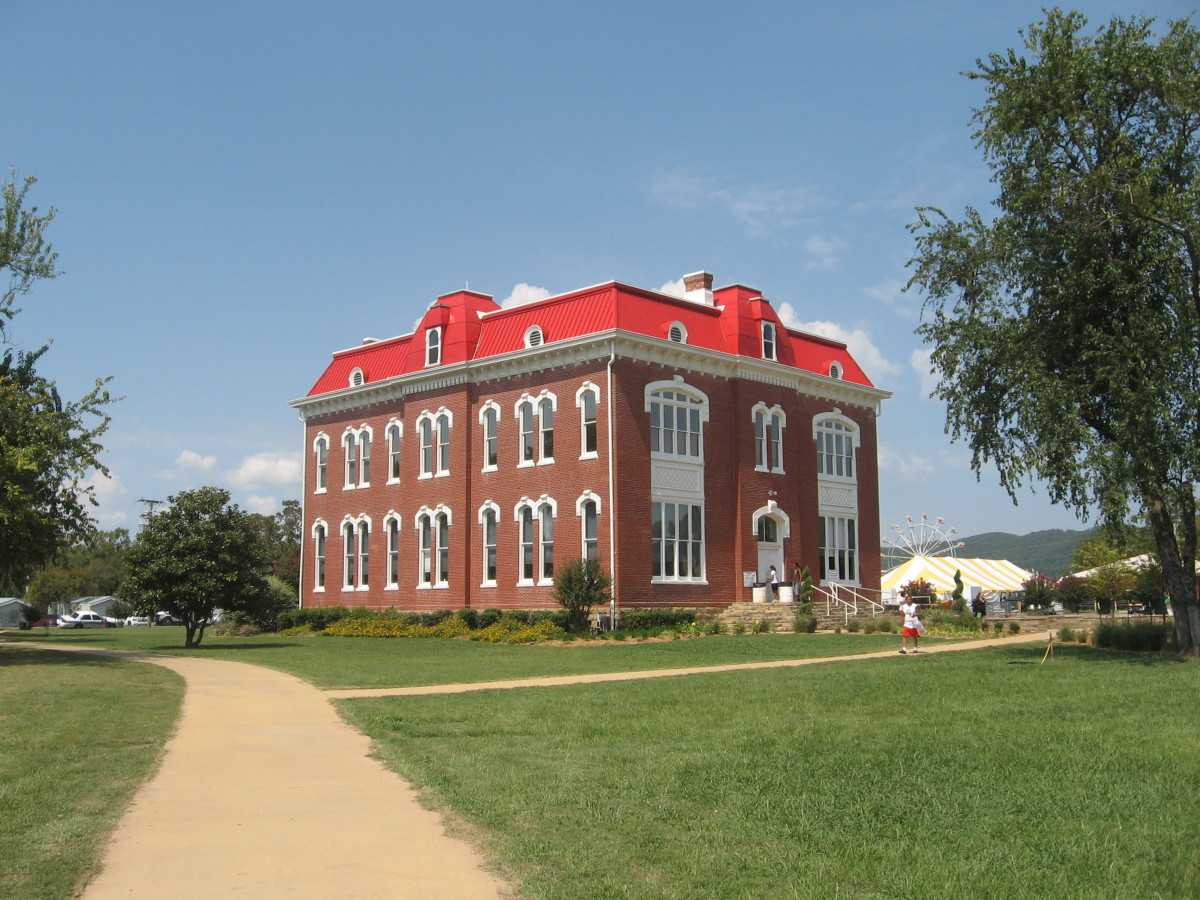 The Choctaw Capitol Museum and Judicial Department in Tuskahoma, Oklahoma. (Photo: Nioger/Wikimedia Commons)