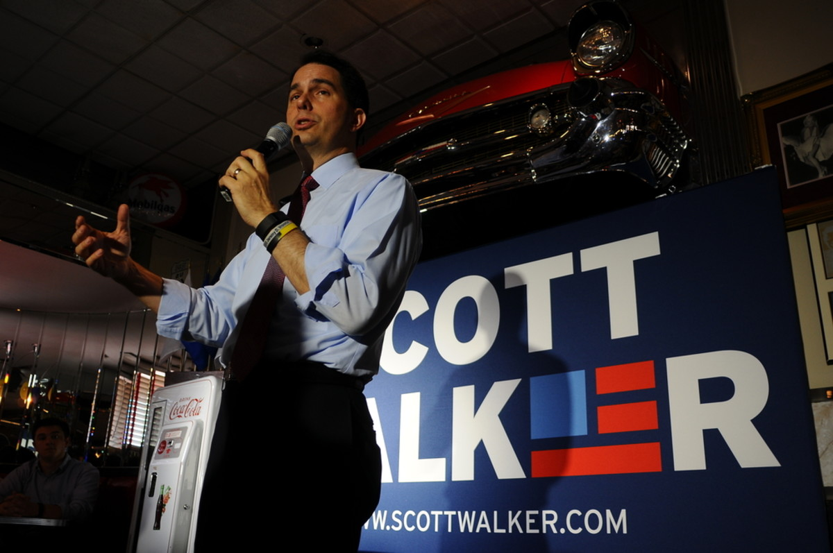 Wisconsin Governor Scott Walker speaks at Joey's Diner in Amherst, New Hampshire, on July 16, 2015. (Photo: Andrew Cline/Shutterstock)