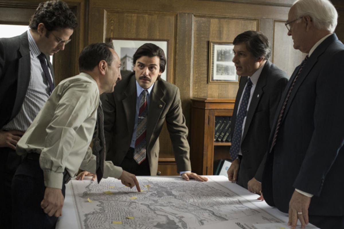 Actors Saverio Guerra, Luke Kirby, Oscar Isaac, Jim Bracchita, and John Henry Cox in a scene from Show Me a Hero. (Photo: Paul Schiraldi/HBO)