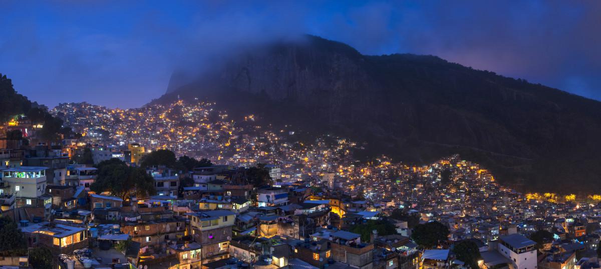 Rocinha, the largest favela in Rio de Janeiro, Brazil. (Photo: Chensiyuan/Wikimedia Commons)
