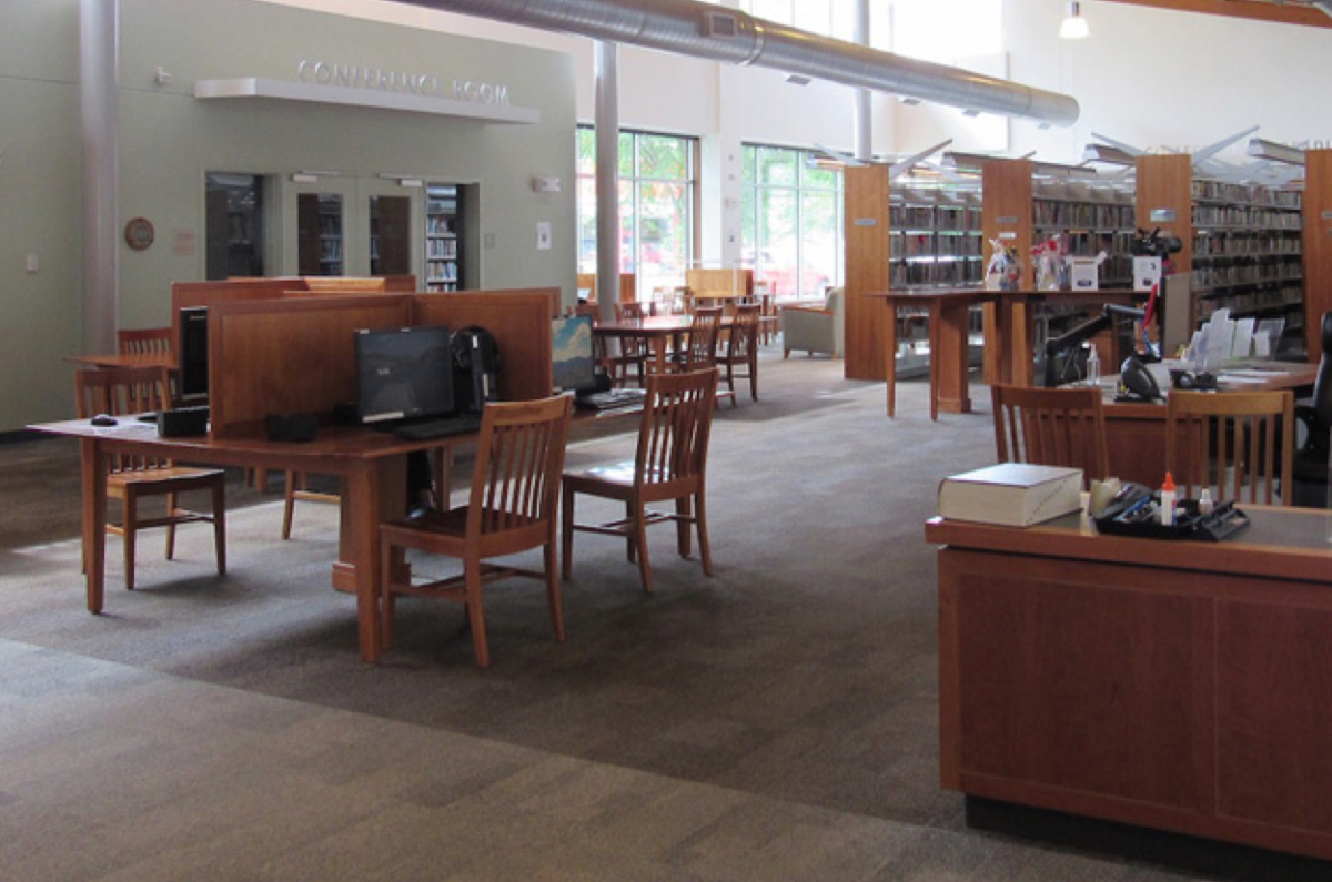 Kilton Public Library's computer area. (Photo: Library Freedom Project)