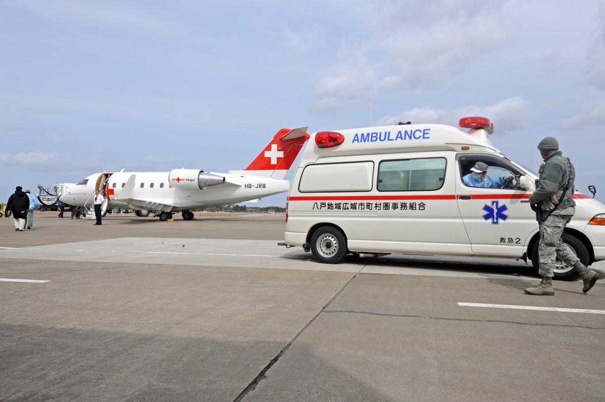 An evacuation flight departs Misawa. (Photo: April Quintanilla/Wikimedia Commons)