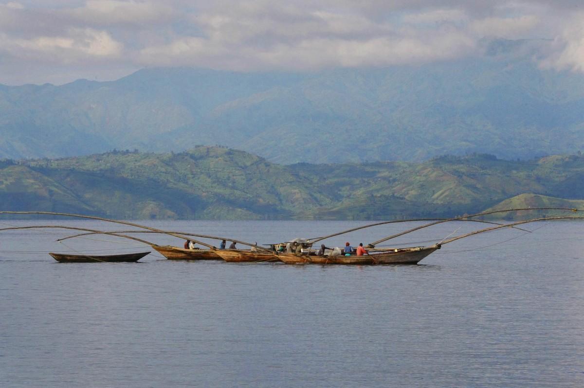 lake kivu lava fishermen