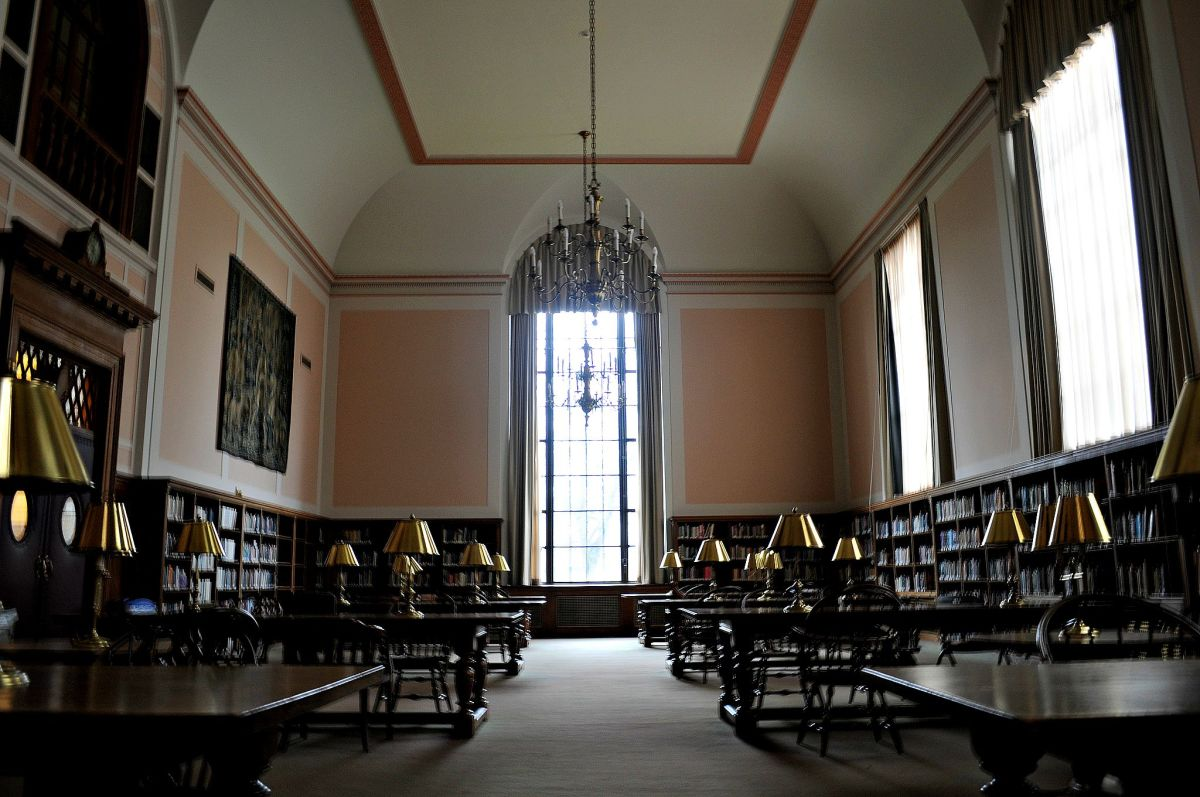 The Olin Library at Wesleyan University. (Photo: Joe Mabel/Flickr)