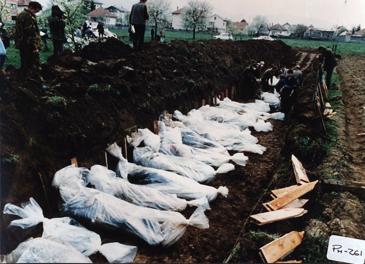 Bodies of people killed by the Croats in April 1993 around Vitez. (Photo: ICTY/Wikimedia Commons)