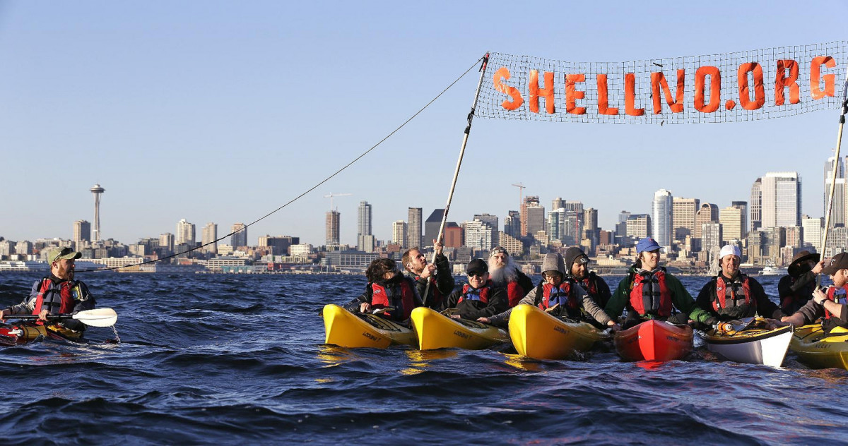 Kayakers protest Shell. (Photo: Backbone Campaign/Flickr)