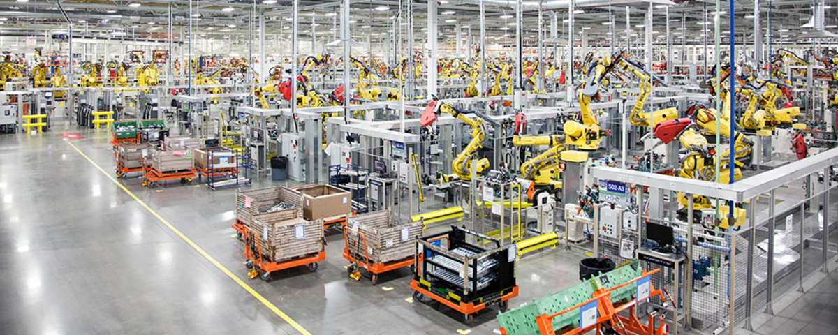 More than 1,100 robots in the body shop at Chrysler Group's Sterling Heights, Michigan, Assembly Plant. (Photo: Fiat Chrysler Automobiles)