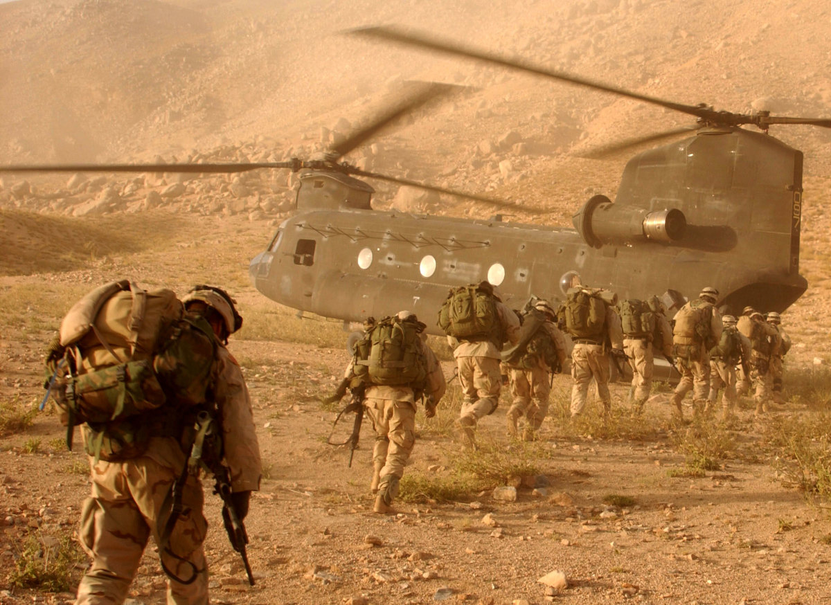 U.S. troops board a helicopter in Afghanistan. (Photo: Wikimedia Commons)