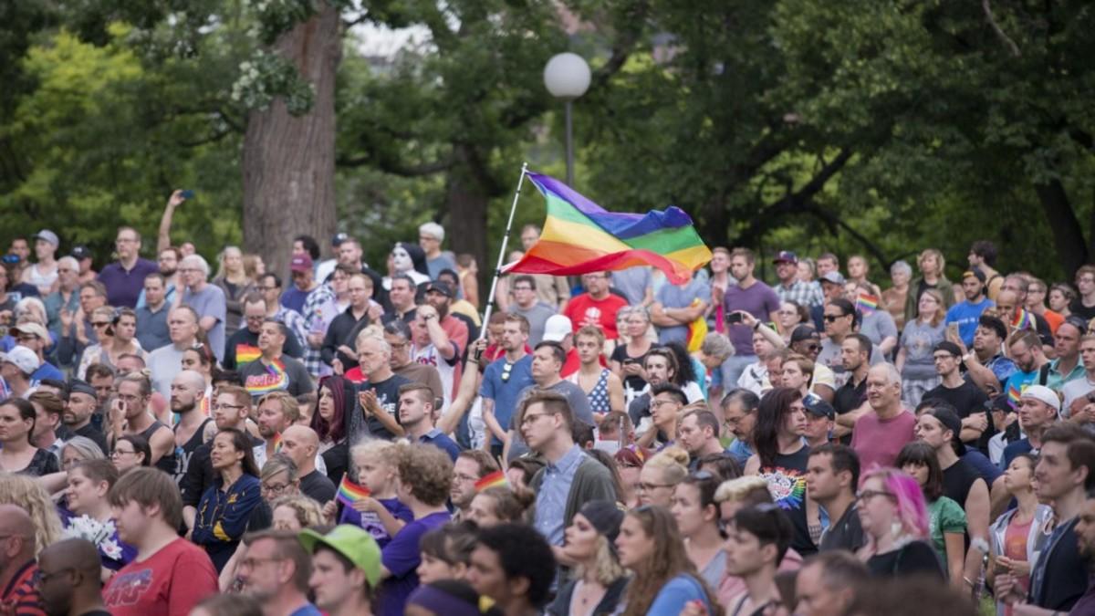 A vigil in Minneapolis. (Photo: fibonacciblue/Flickr)