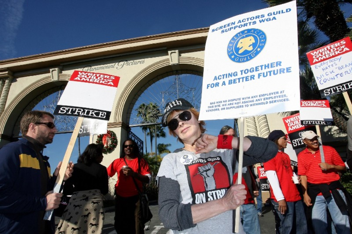 Actress Frances Fisher walks the picket line in support of striking writers on December 12th, 2007, in front of Paramount Studios in Los Angeles, California. (Photo: Valerie Macon/AFP/Getty Images)