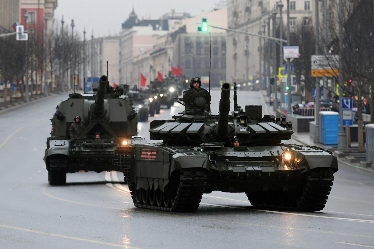 Russian military vehicles in Moscow move toward Red Square for Victory Day parade training on April 27th, 2017. (Photo: Natalia Kolesnikova/AFP/Getty Images)INLINE