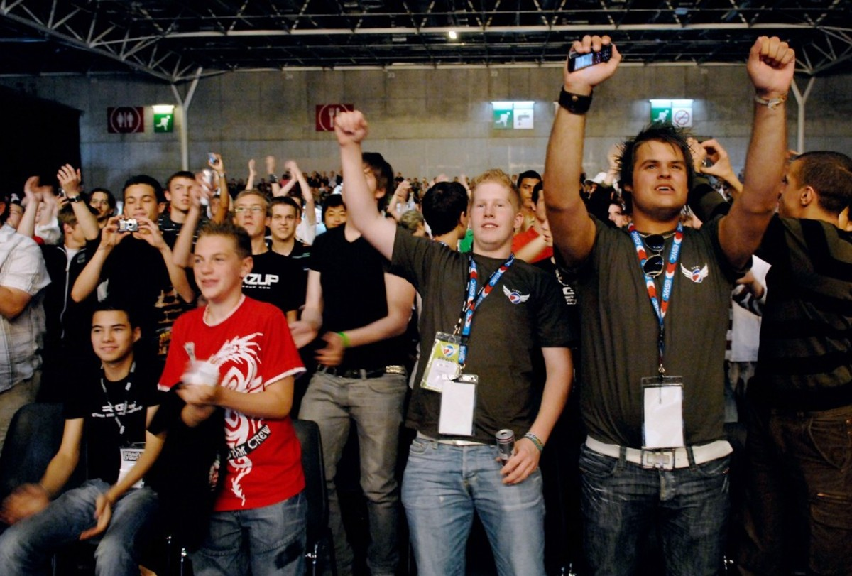The audience supports competitors playing video games during the final of the 5th edition of the Electronic Sports World Cup on July 8th, 2007, in Paris. (Photo: Stephane de Sakutin/AFP/Getty Images)
