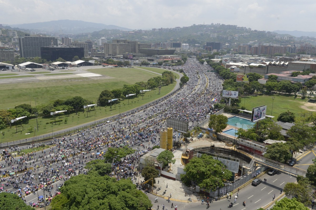 Thousands of Venezuelan opposition activists march in Caracas, blocking main roads on April 24th, 2017. (Photo: Federico Parra/AFP/Getty Images)