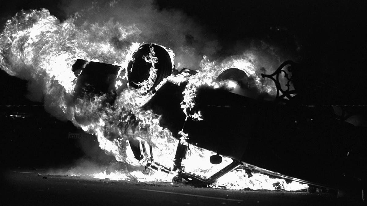 Rodney King riots car on fire 1992