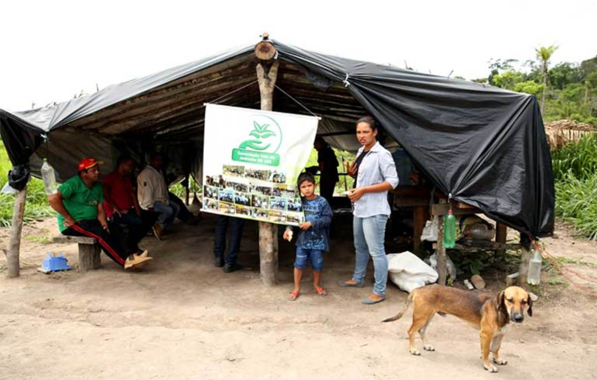 A landless peasant occupation at KM Mil, a settlement near the Thousand Kilometer marker on highway BR 163 near the town of Novo Progresso in Pará state, Brazil. Violence against peasants involved in the agrarian reform movement is increasing across the nation as wealthy land thieves are emboldened by the Temer administration, which has done little to stop the attacks.