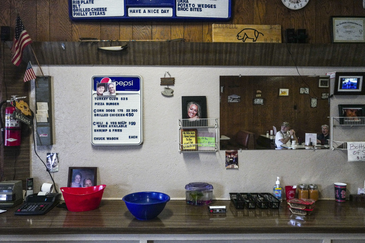 A barbecue joint in Cairo, Illinois, a nearly abandoned town at the confluence of the Ohio and Mississippi River.