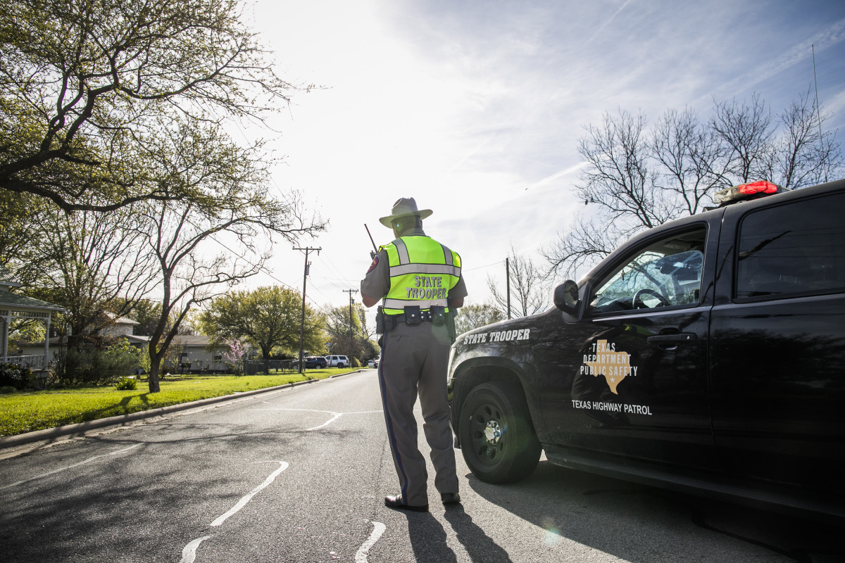 Police barricade the area surrounding the home of suspected Austin bomber Mark Anthony Conditt in Pflugerville, Texas, on March 21st, 2018.
