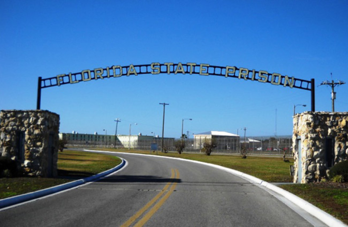 The entrance to Florida State Prison.