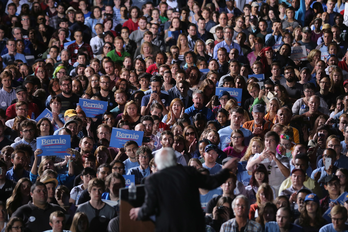 Thousands of people gather to hear Democratic presidential candidate Senator Bernie Sanders (I-Vermont) during a campaign rally at the Prince William County Fairground on September 14th, 2015, in Virginia.