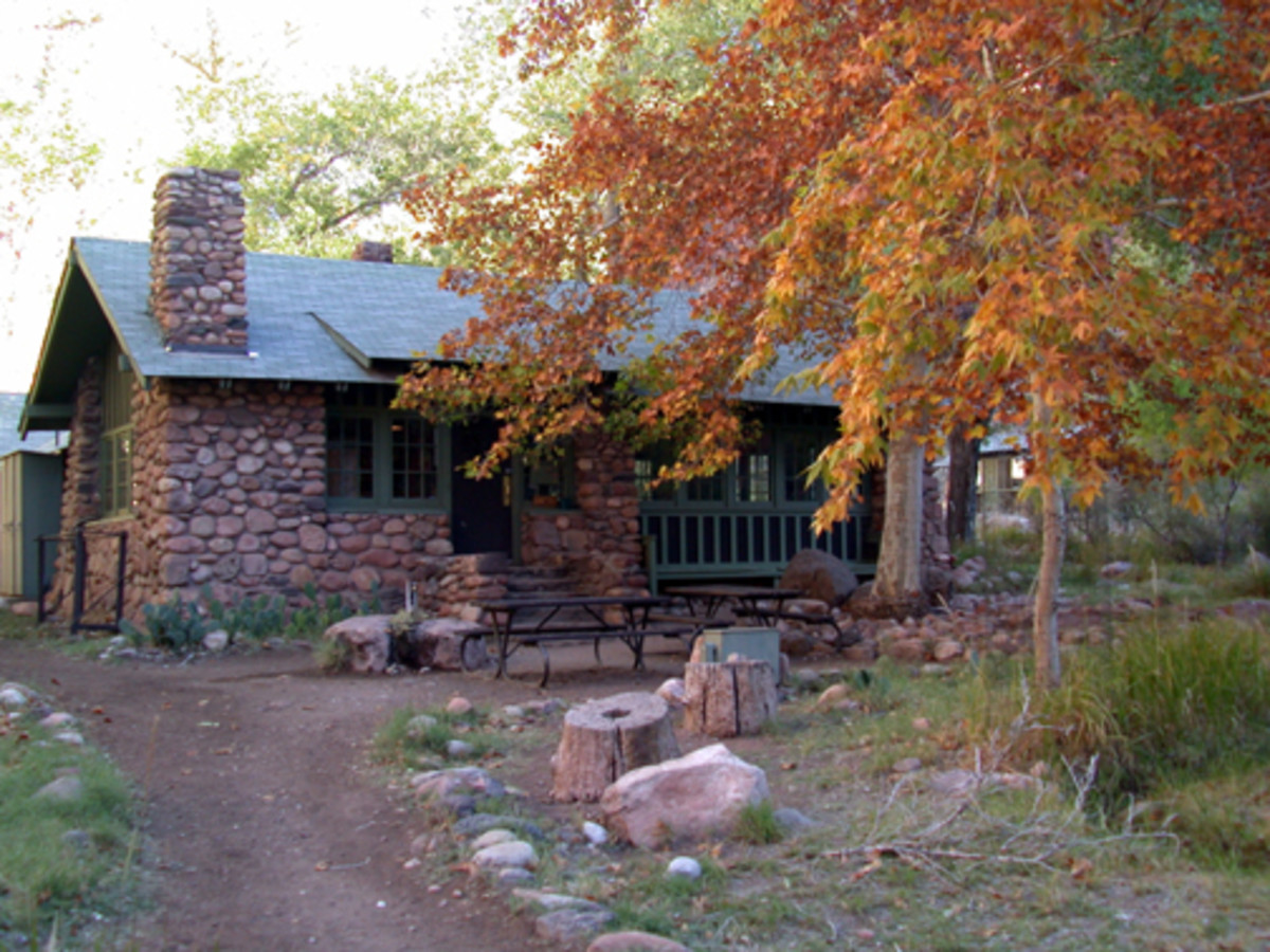 The main building at Phantom Ranch.