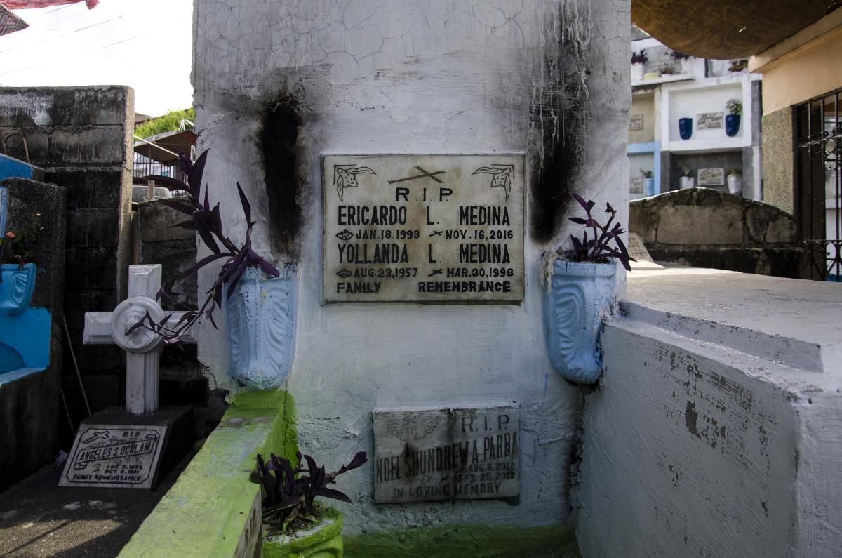 Ericardo is buried alongside his mother.
