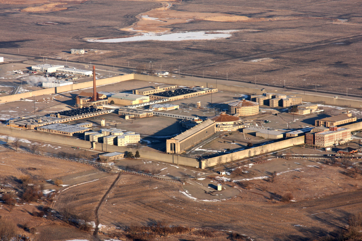 Stateville Correctional Center in Crest Hill, Illinois.