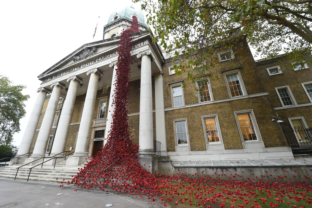 The installation Poppies: Weeping Window opens at the Imperial War Museum in London on October 4th, 2018, its final destination in a United Kingdom-wide tour. Composed of several thousand handmade ceramic poppies, the sculpture honors those lost in World War I, which ended 100 years ago next month.