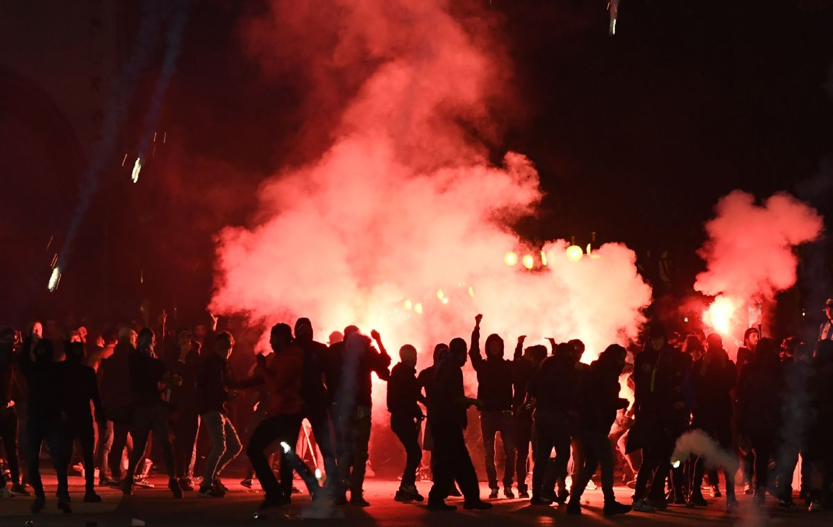 Tear gas envelops Marseille football supporters during clashes with French security officials on a street in Marseille, France, on October 25th, 2018, ahead of a match with Italian club Lazio. The two teams, both known for some of the most intense fans in football, played a Union of European Football Associations Europa League match in the Mediterranean city. Fans set off flares in the street; police responded in full riot gear with pepper spray and tear gas.