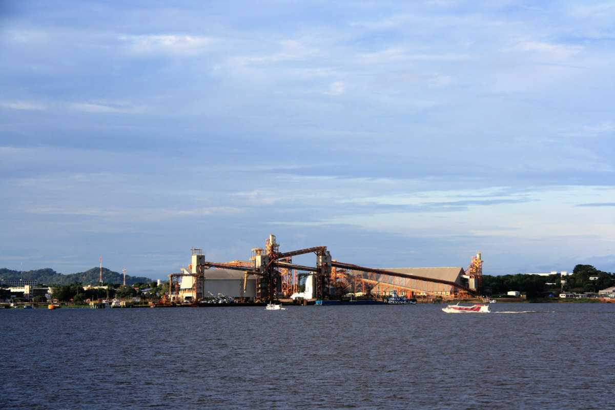 Soy port owned by Cargill in Santarem, Brazil. Analysts say that commodities transport costs won't come down and favor producers until both railways and industrial waterways are built in the Amazon, creating competition between the two modes of transportation.