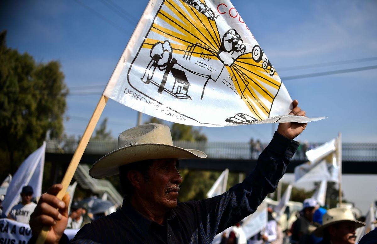 Mexican farmers protest in Mexico City on December 5th, 2017, over land conflicts on the outskirts of the capital.