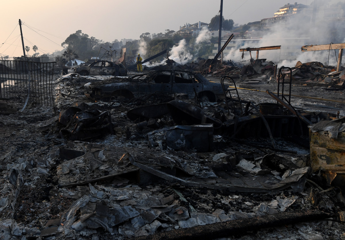 The aftermath at the two-story Hawaiian Village Apartment complex after it burnt to the ground during the Thomas wildfire in Ventura, California.