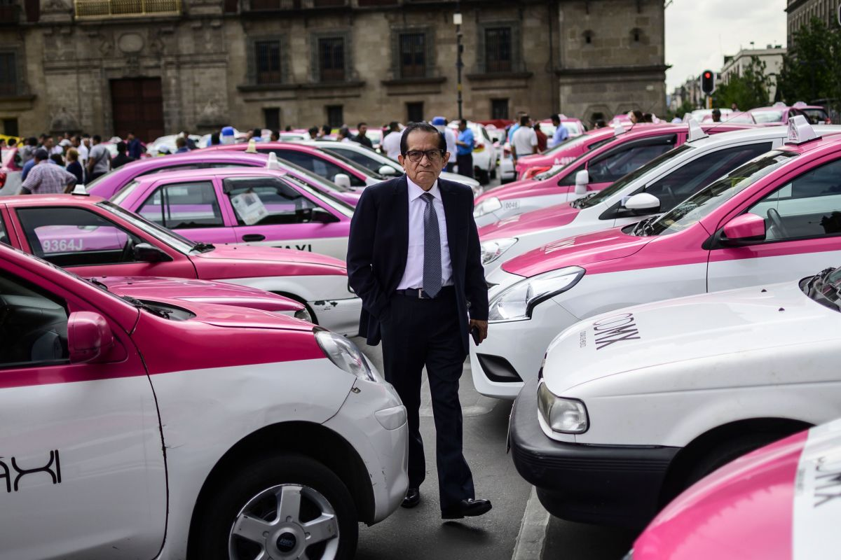 Taxi drivers take part in a protest against the private taxi company Uber and other apps for alleged unfair competition, in Mexico City, on June 3rd, 2019. The protesters blocked streets across the city, causing widespread traffic. Some drivers say Uber and other apps have reduced their income by about 40 percent.