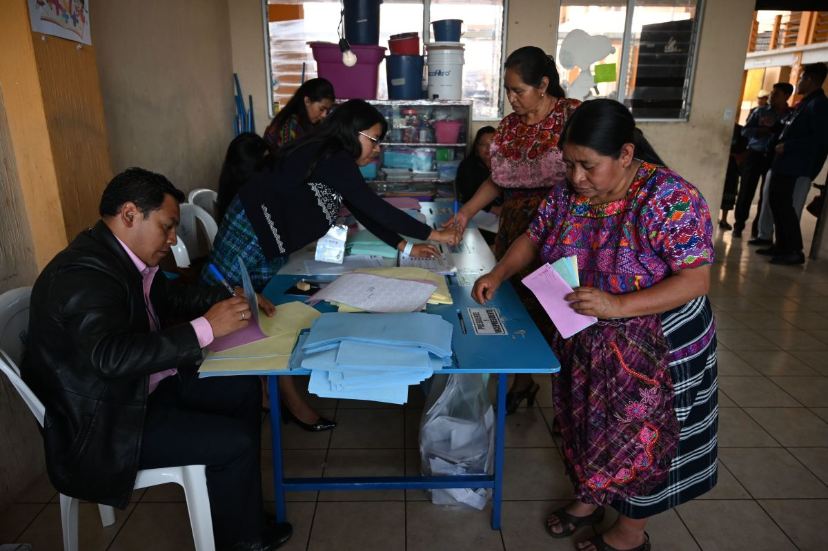 Women vote at a polling station in San Pedro Sacatepuez, Guatemala, on June 16th, during general elections.