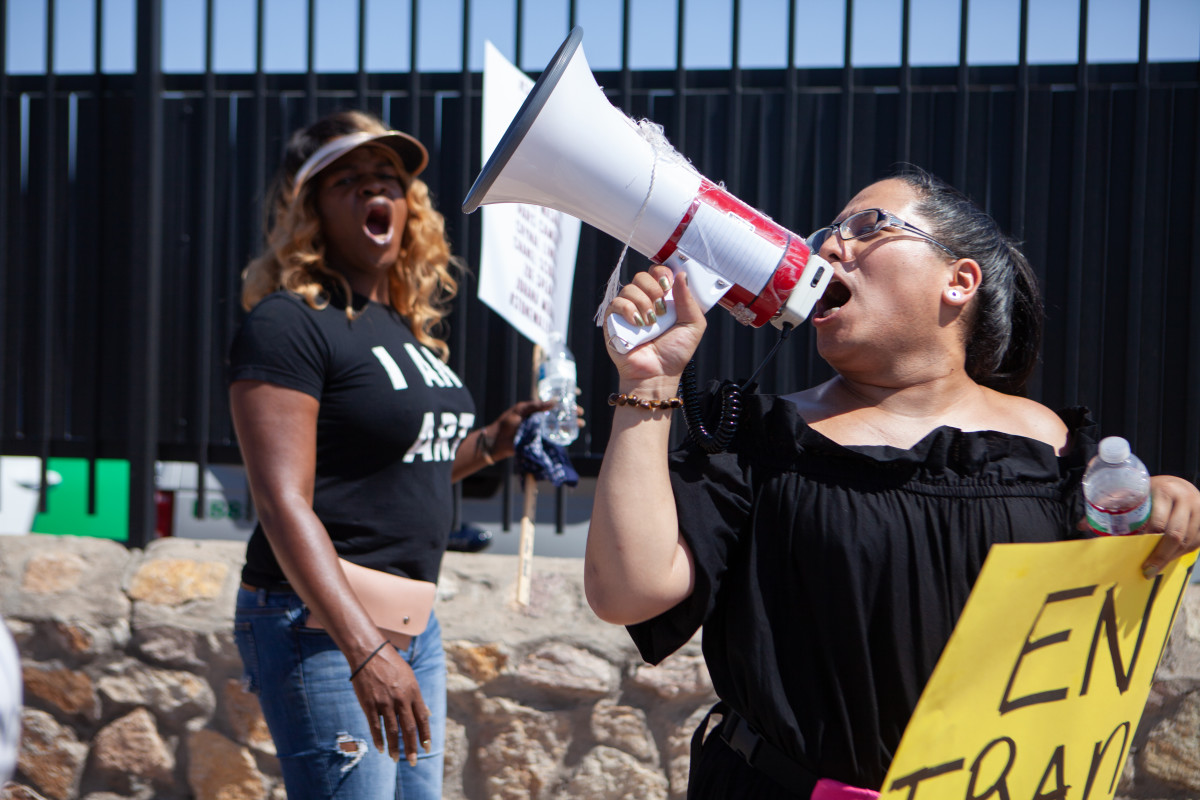 Protesters lead chants outside the El Paso Processing Center.