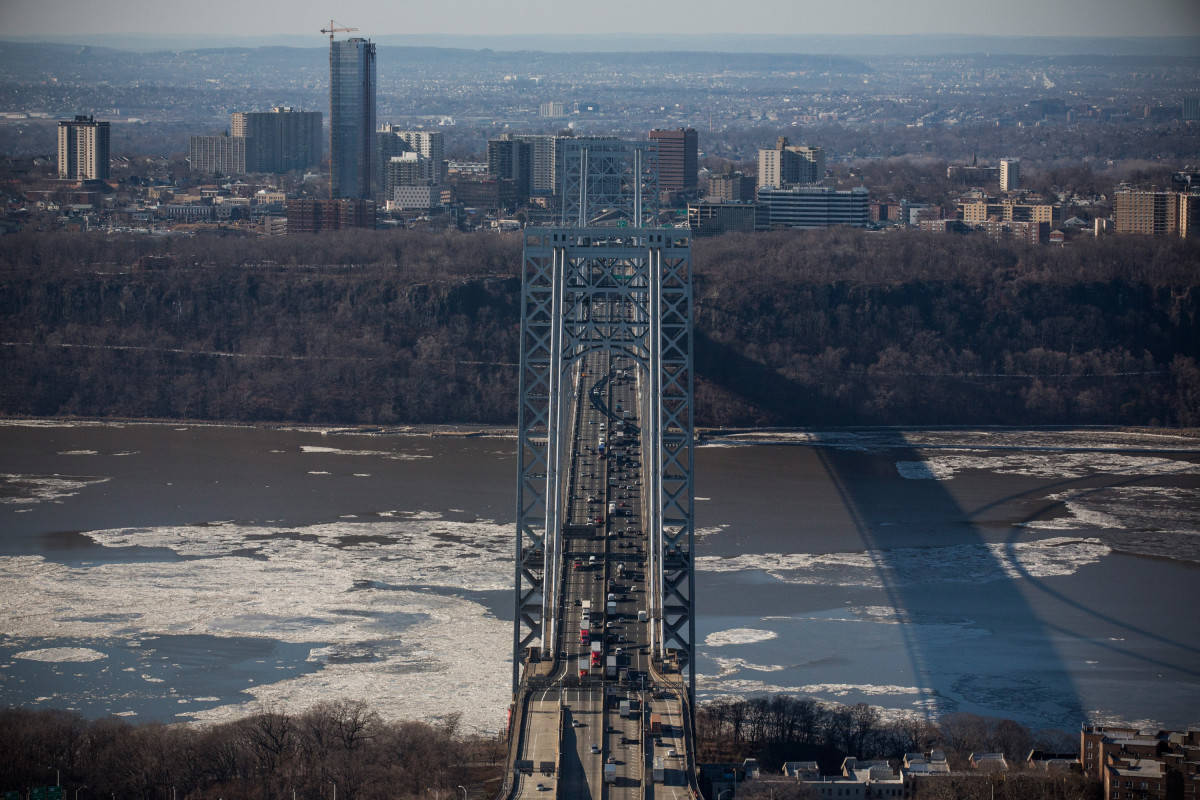 Months after the Bridgegate scandal, light traffic moves along the George Washington Bridge.